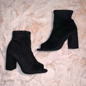 Mia Ankle Booties with Open Toe Size 7M